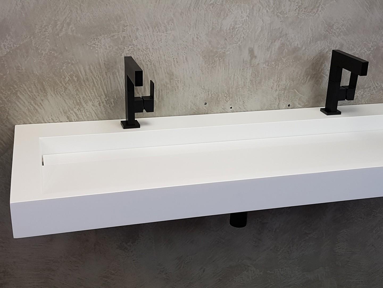 Solid surface wastafel solid cascate 160 met kraangat