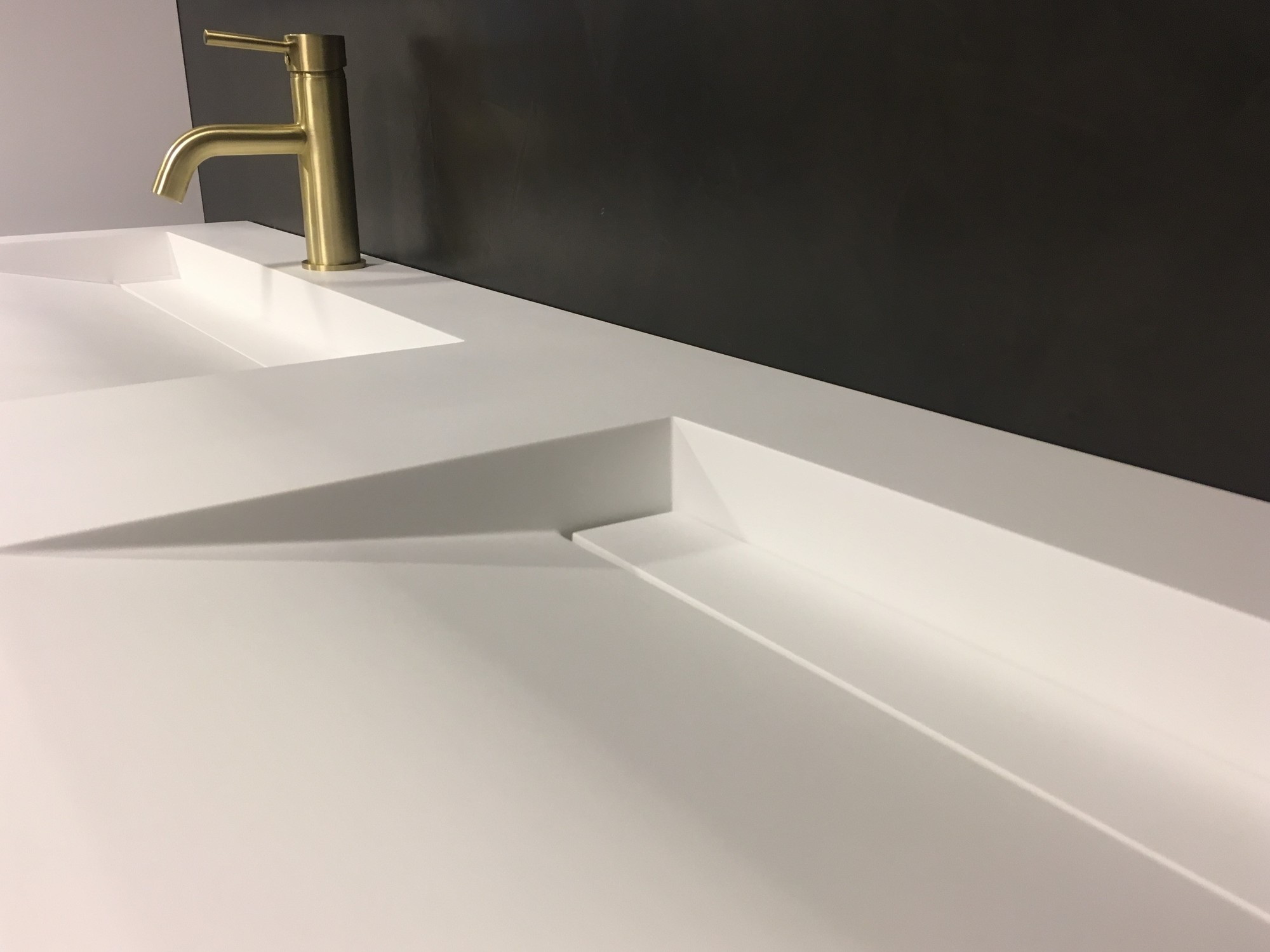 Wastafel 160 Cm : Solid surface wastafel solid cascate